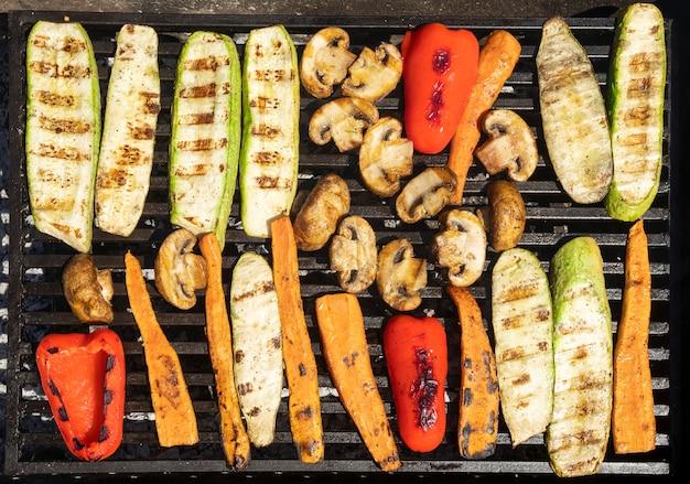 Gegrilde groenten op de grill