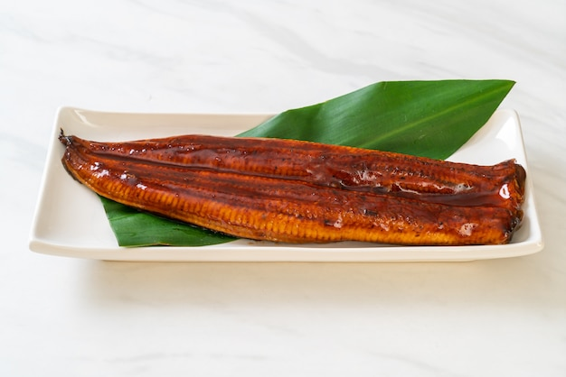 Gegrilde paling of gegrilde unagi met saus (kabayaki) - .japans eten.