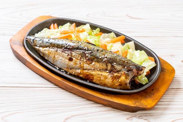 Gegrilde saba-steak met teriyakisaus