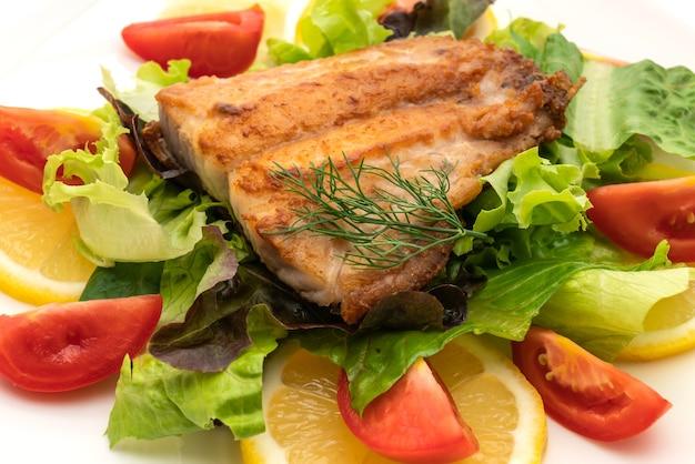 Gegrilde snapper fish steak met vagetable