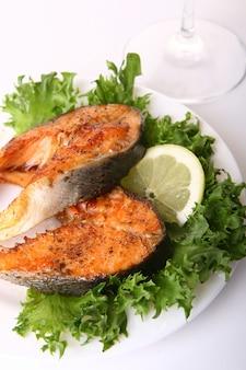 Gegrilde vis met citroen