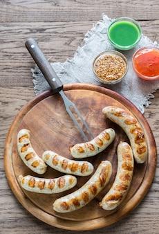 Gegrilde worstjes met pretzels