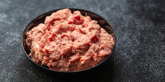 Gehakt kalkoen of kip gemalen varkensvlees rundvlees lam gezonde voeding Premium Foto