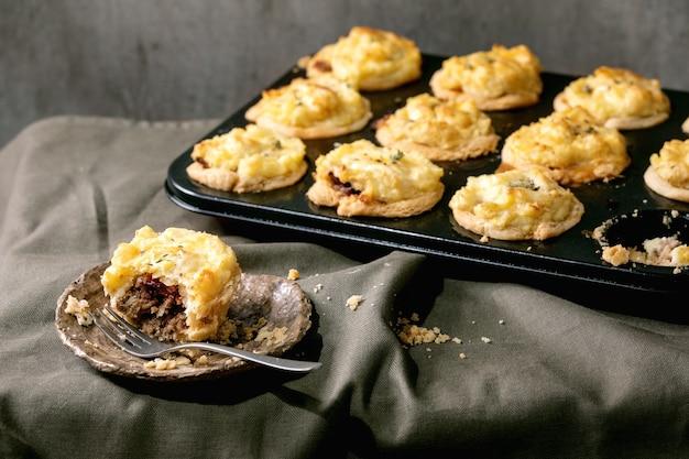 Gehakt mini taarten met aardappelpuree