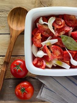 Gehakte groenten voor salade