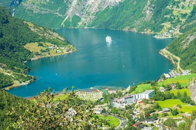 Geirangerfjord zee berglandschap uitzicht
