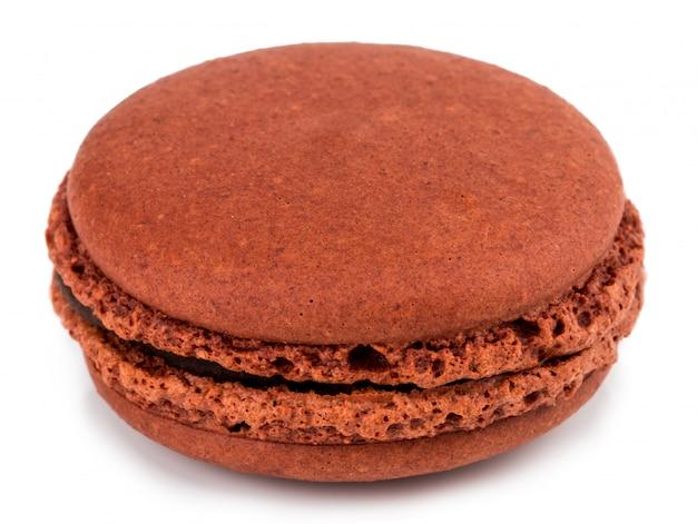 Geïsoleerd cake macaron of makaron, zoet en kleurrijk dessert