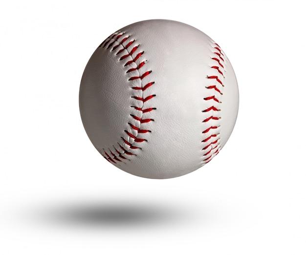 Geïsoleerde honkbal op witte en rode stiksels.