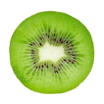 Geïsoleerde plak van kiwi's op witte achtergrond, bovenaanzicht