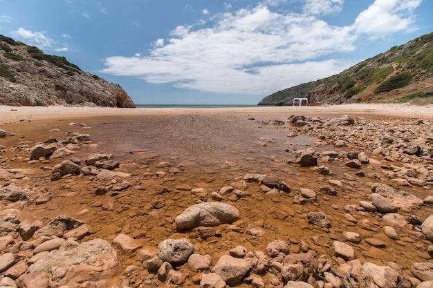 Geïsoleerde strand