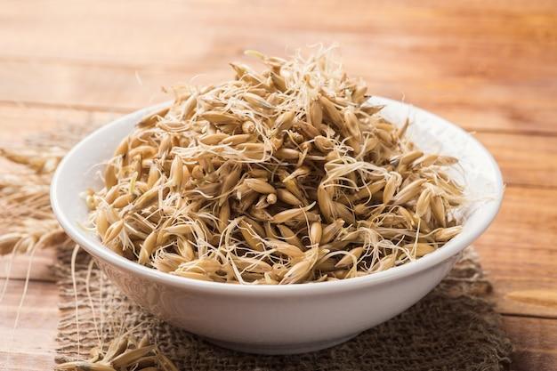 Gekiemde graanhaver als product om de spijsvertering te verbeteren