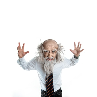 Gekke oude man op wit
