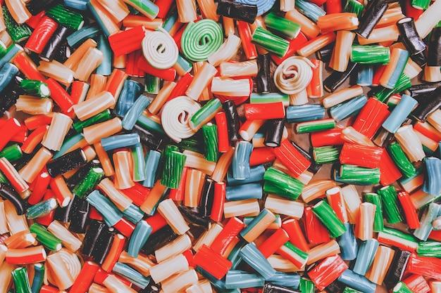Gekleurde figuurmarmelade. getinte culinaire achtergrond voor ontwerper