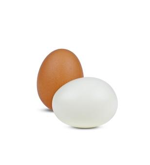 Gekookt ei dat op witte achtergrond wordt geïsoleerd