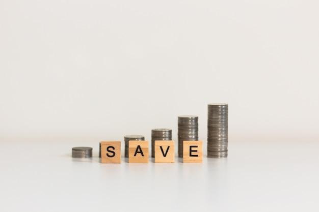 Geld besparen en investeringen financieel concept