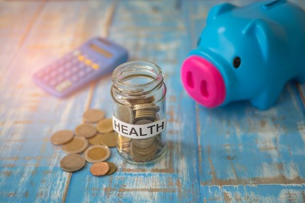 Geld besparen in een pot voor een reis