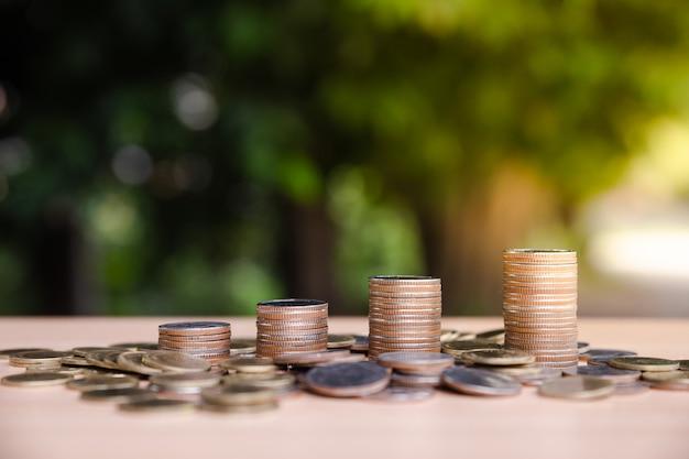 Geld, financieel, bedrijfsgroeiconcept