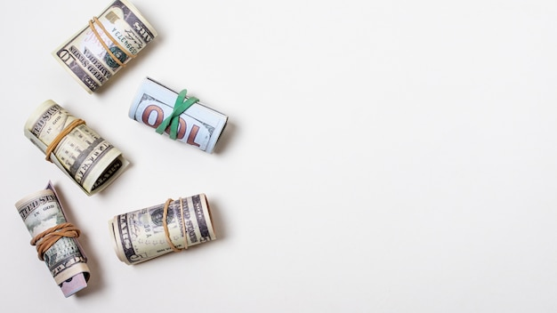 Geld vastgebonden met elastieken en kopie ruimte