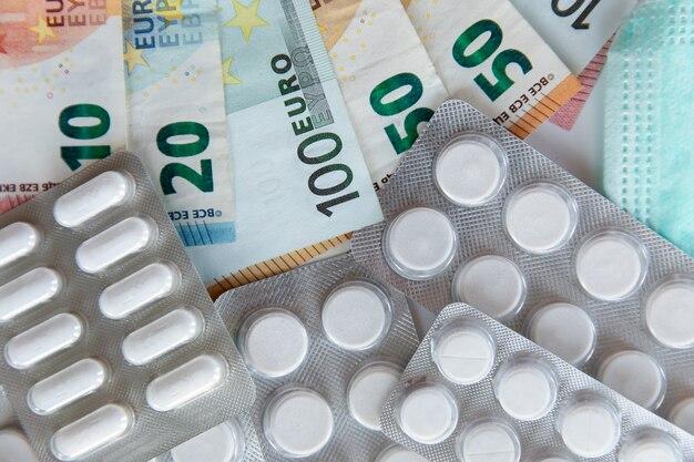 Geld voor behandeling van het virus.