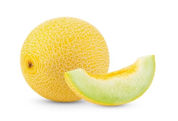 Gele kantaloepmeloen die op wit wordt geïsoleerd