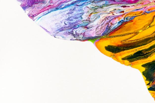 Gele marmeren swirl achtergrond handgemaakte abstracte vloeiende textuur experimentele kunst