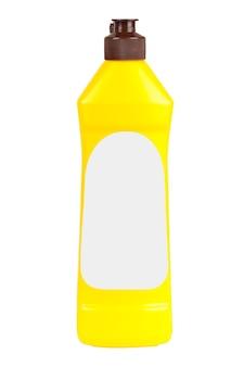 Gele plastic wasmiddelfles met blanco etiket voor jouw ontwerp op een witte achtergrond