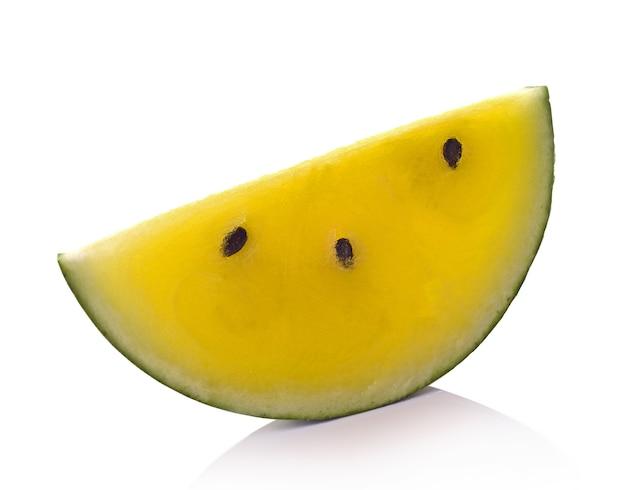 Gele watermeloen op witte achtergrond