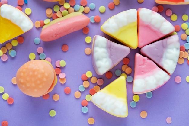 Gelei en snoepjes jelly cake