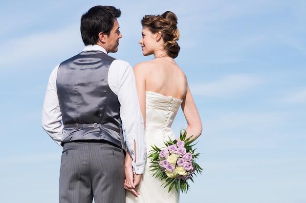 Gelukkig getrouwd stel Premium Foto