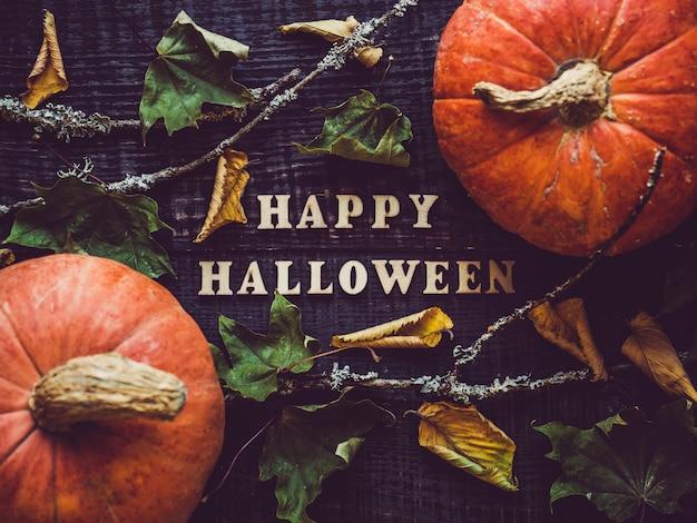 Gelukkig halloween en rijpe pompoen
