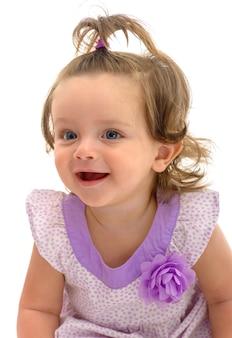 Gelukkig jong meisje geïsoleerd op een witte achtergrond