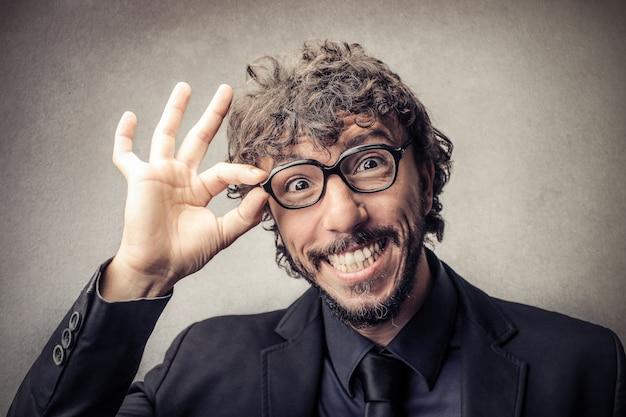Gelukkig lachend zakenman