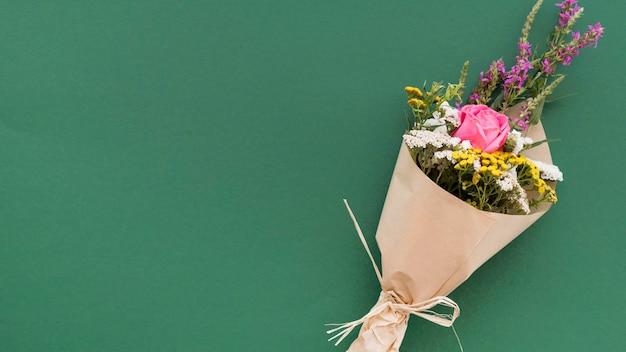 Gelukkig lerarendagboeket met bloemen
