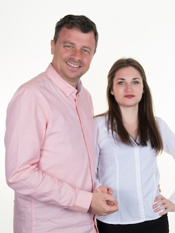 Gelukkig man en zijn mooie dochter op witte achtergrond