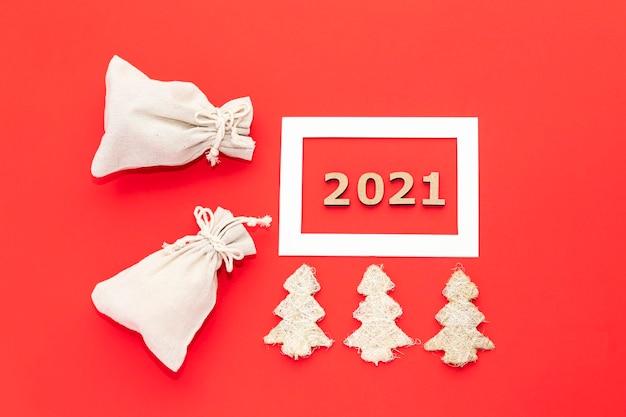 Gelukkig nieuwjaar 2021 op een gezellig rood