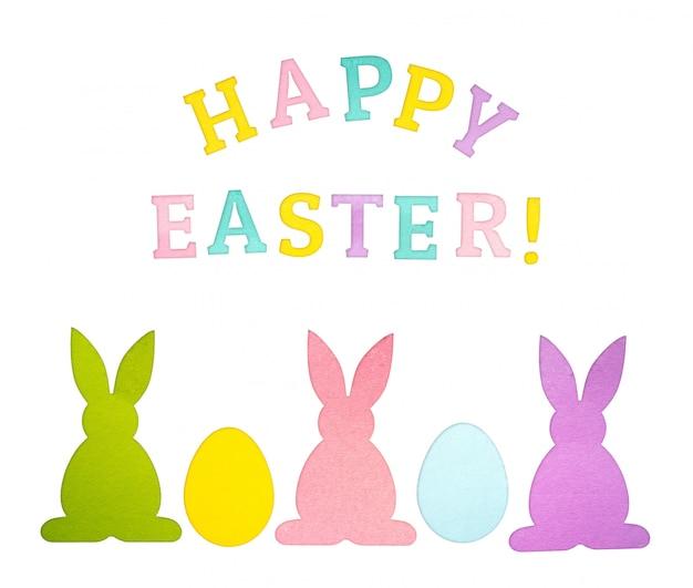 Gelukkig pasen wenskaart met papieren eieren en konijnen