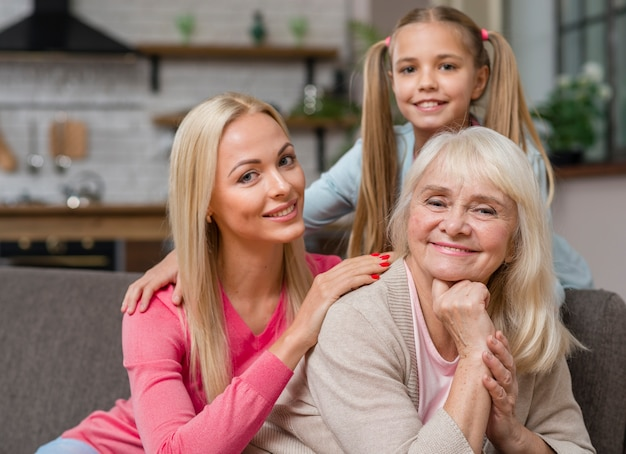 Gelukkig vrouwelijke generatie samenzijn