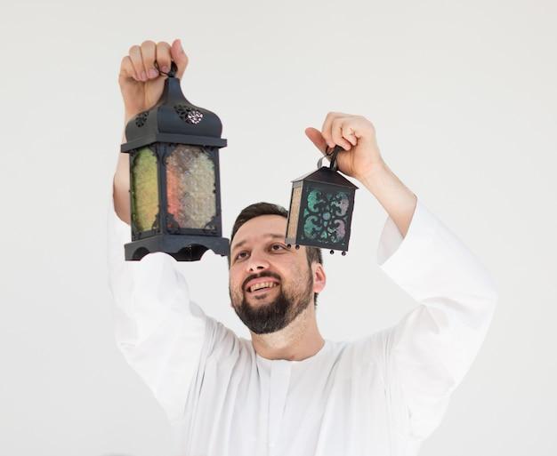 Gelukkige man klaar voor ramadan