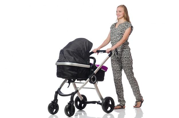 Gelukkige moeder met haar baby in kinderwagen