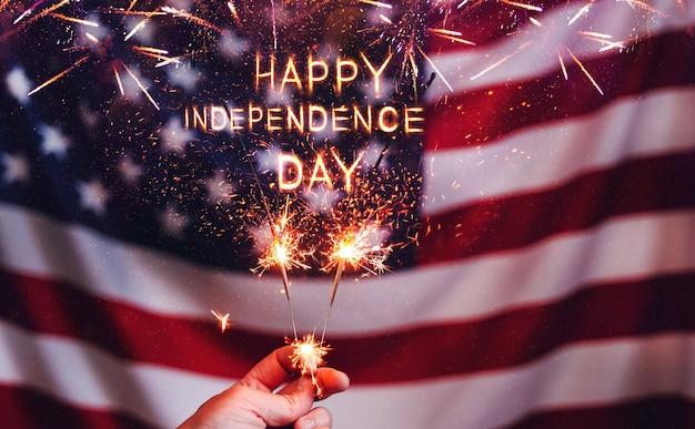 Gelukkige onafhankelijkheidsdag vs sterretjes en amerikaanse vlagviering 4 julipatriottische vakantie