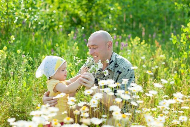 Gelukkige vader met dochter