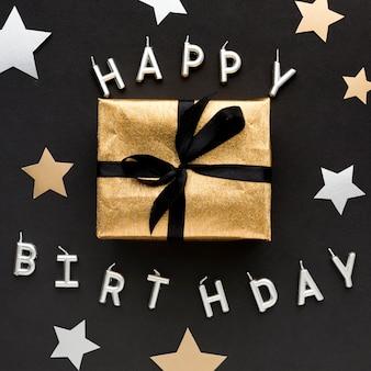 Gelukkige verjaardag bericht met cadeau