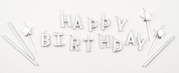 Gelukkige verjaardag kaarsen bovenaanzicht