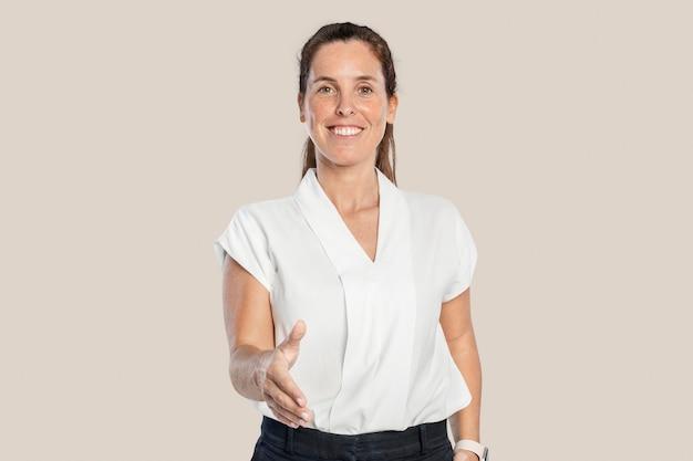 Gelukkige vrouw groet met een handdruk