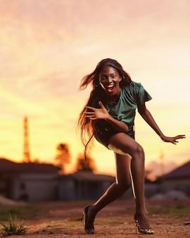 Gelukkige zwarte vrouw
