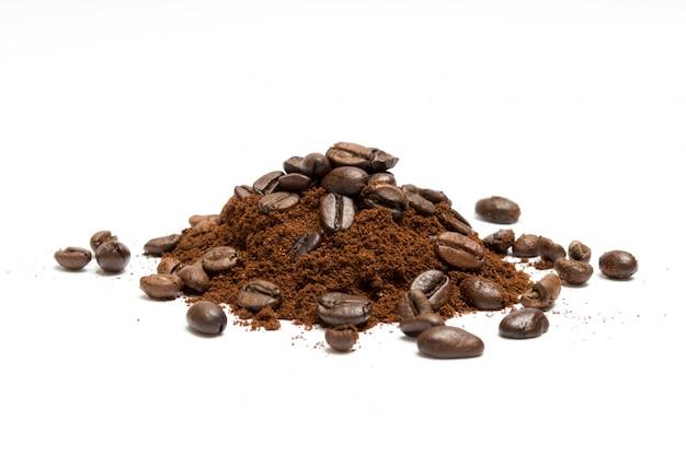 Gemalen koffie met bonen