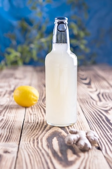 Gemberbierflesje citroen en gemberwortel