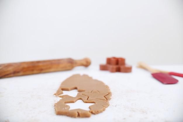 Gemberkoekjes die recept stap voor stap verwerken