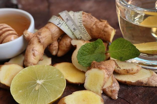 Gemberthee met honing citroen