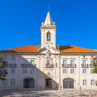 Gemeenschappelijke zaal (camara municipal de aveiro) in aveiro, noord-portugal